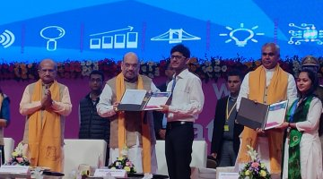 Roshan Rawal, Computer Engineering Student, LDCE received Best Student Startup award at GTU Convocation,2020