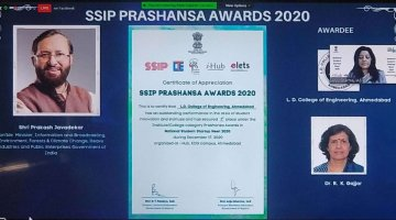 SSIP Prashansha Award 2020-Best Institute awarded to L. D. College of Engineering, Ahmedabad received by Dr. Rajul. K. Gajjar(Principal)