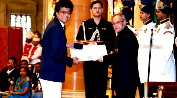 """Indira Gandhi NSS Award"" to Madhish Parikh from the honorable President of India"