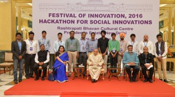 Nilesh Dwivedi represented LDCE at Social Innovations Hackathon organized in Rashtrapatibhavan